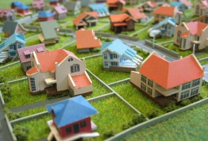 Сколько нужно отступать от забора при строительстве дома